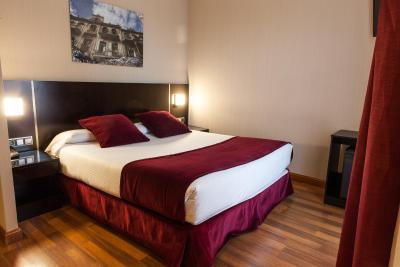 #spain @ Hotel Clement Barajas accomodation  near /The staff were friendly.Room was lovely.The evening meal I had was lovely.Great tastes and presentation was  beautiful.The service was good too.Breakfast goodThe transport to … #motel