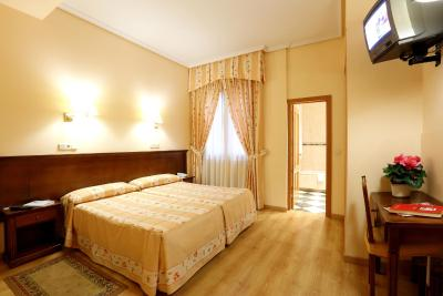 #spain @ Guest house Hostal Silserranos find hotel near /cleanliness smiling people welcoming people people who want to work We do not feel foreign #Dublin
