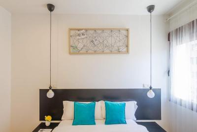 #spain @ Guest house A&Z JAVIER CABRINI Hotels Site /Very reasonably priced, conviniently locate near the Metro and a 15m drive from the airport. Comfortable room and clean shared bathroom #Landmarks
