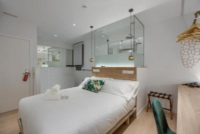 #spain @ Guest house The Match Madrid easy to book /The experience at the match was great. Unbeatable The room is amazing, beautiful. The very comfortable bed, the best I have tried, as well as the pillows. The attention … #Euston