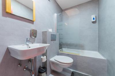 #spain @ Hostel Ok Hostel Madrid hotel reservations online /Great staff, dinner deal with bottomless drinks is great value, wonderful location #Champs-Elyses