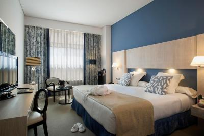 #spain @ Hotel Hotel Nuevo Boston Discount Sites /I like breakfast at Hotel Neuvo Boston, Staffs is super nice, enthusiasm, friendly. Hotel have a shuttle bus from the airport as well as bring guest go to center … #Shopping