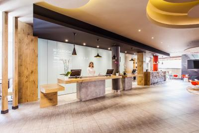 #spain @ Hotel Ibis Madrid Aeropuerto Barajas discount motel /Great choice for a short stay between flights. Reasonable price #Attractions
